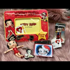 Lot of Betty Boop collectibles